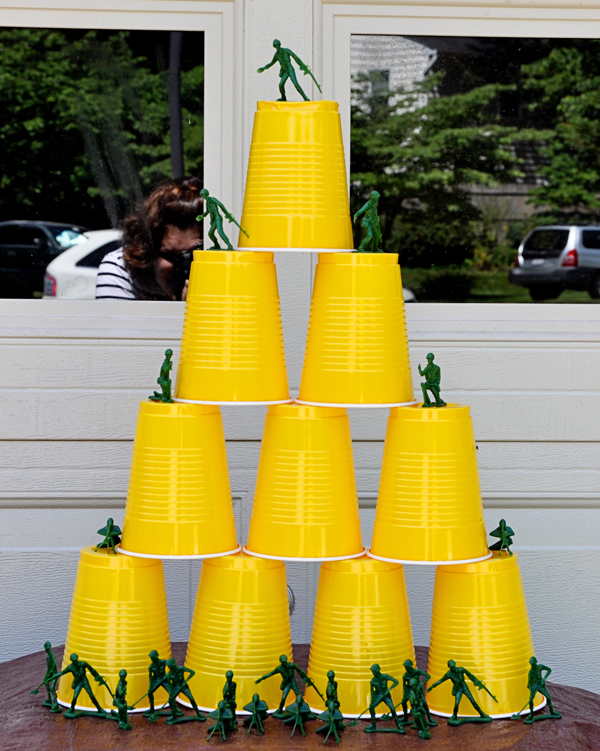 Nerf-Party-Stacked-Cup-Target2
